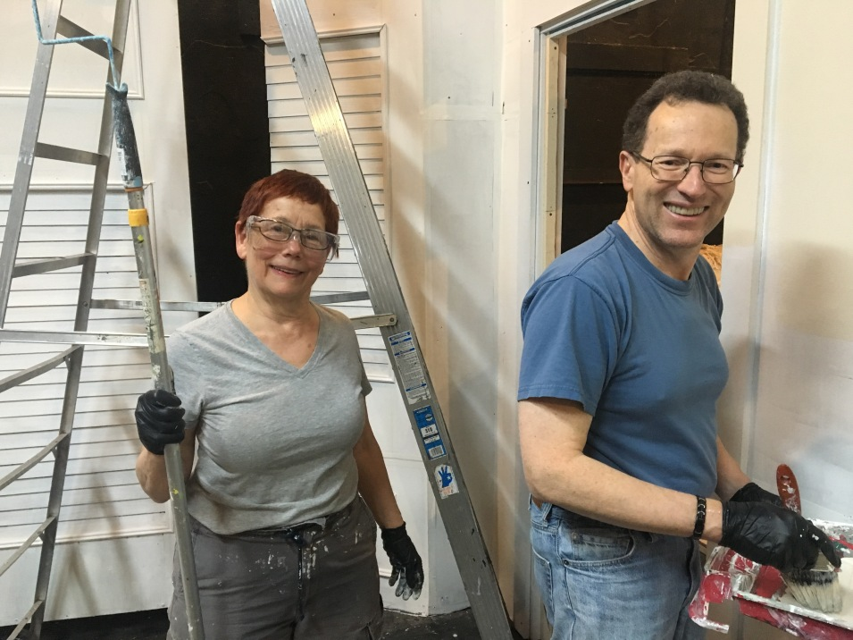 The couple that paints a set together stays together. At least for the evening...
